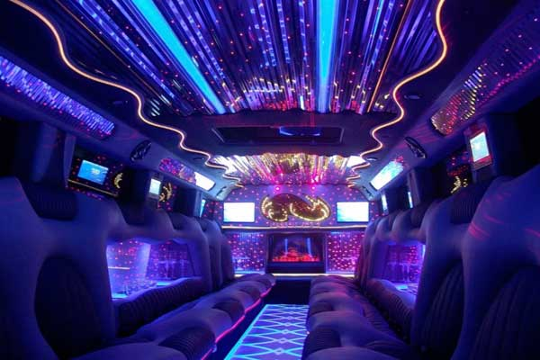 H2-Hummer-Limousine-interior