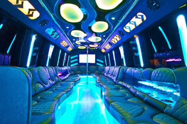 las-vegas-party-bus-interior-4