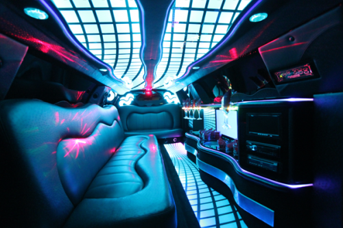8-10 passenger traditional limousine interior 1
